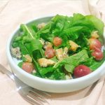 Blue cheese, rocket and roasted grape salad